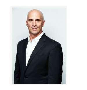 欧司朗子公司Fluence首席执行官辞去CEO一职,转入公司研发部光学投影仪